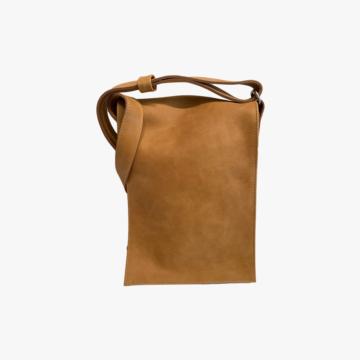 Bolso de piel hecho a mano para hombre - Modelo John - Piel Dacar - Color Noce - Front